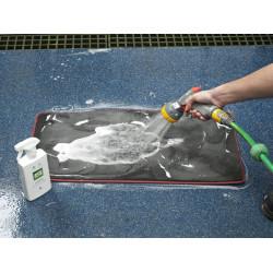 Autoglym CIS500 Interior Shampoo removes dirt and grime from fabrics, seats