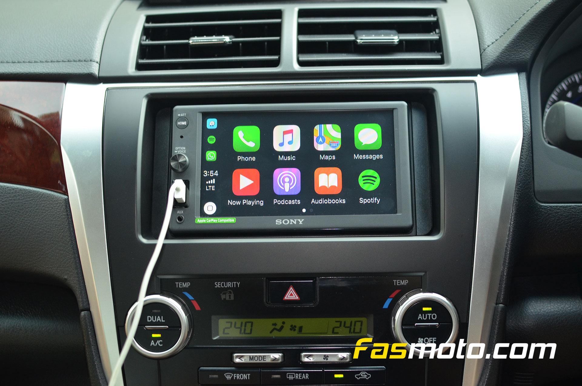 Sony XAV-AX1000 APple CarPlay home screen